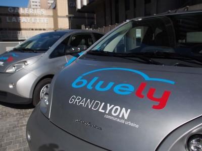 les voitures en libre services éléments de la mobilité urbaine  ( photo Lyon Info)