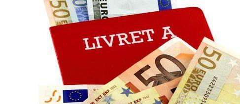 Un livret A et des billets de 50 euros (© Unclesam - Fotolia.com)