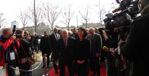 Gérard Collomb et Fleur Pellerin ont lancé vendredi les travaux du Grand Hotel Dieu (SDH/LPI)