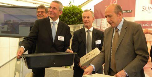 Philippe Rosio, de Foncière Inéa, Christophe Grojean, de Domoa immobilier, Gérard Bailleul, de L'art de Construire, et Gérard Collomb, maire de Lyon.